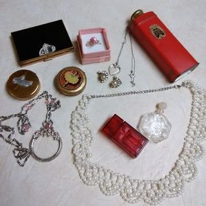 Vintage vanity lot compact powder necklace ring ++